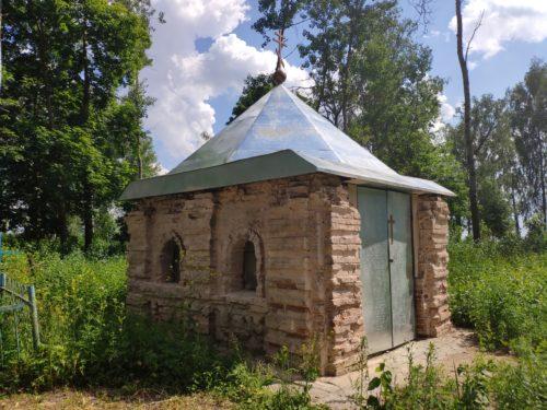 часовня на кладбще Белый Колодезь