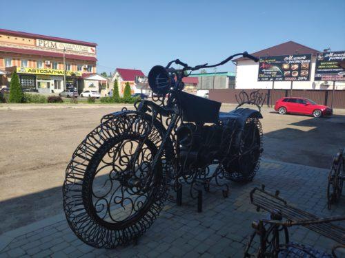 памятник мотоциклу