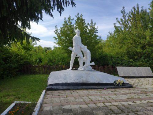 Мемориал Воинам-землякам погибшим в годы Великой Отечественной Войны. Кулаги.
