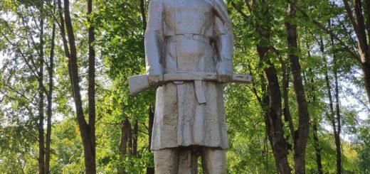 Достопримечательность села Ляличи. Памятни. Мемориал.