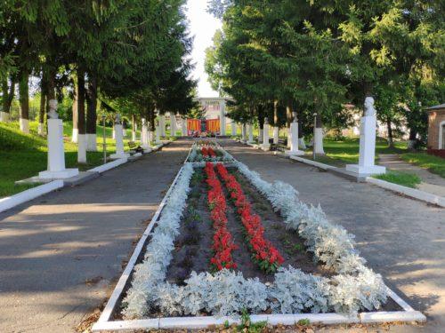 аллея героев Мемориал великой отечественной войны в городе Сураж брянской области