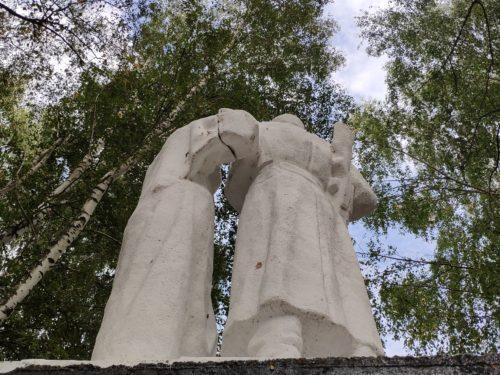 Военный памятник Лыщичи