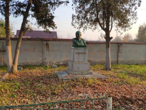 Неизвестный памятник Ленину в Клинцах