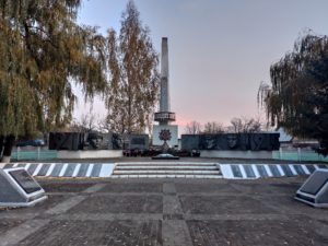 Мемориал ВОВ в Злынке. Достопримечательности Злынки фото