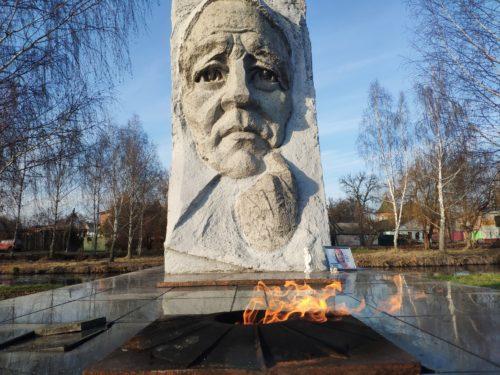 Мемориал Памяти «Скорбящая Мать». Новозыбков.