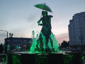 Красивый фонтан в городе Клинцы Брянской Области