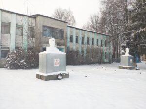 памятник героям Нивное1