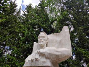 Злынка Брянская область достопримечательности памятник Щорсу