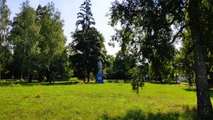 памятник Ленину Воронок